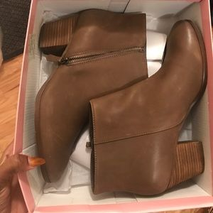 7a49558c38f4 ... Taupe  brown ankle boots ...